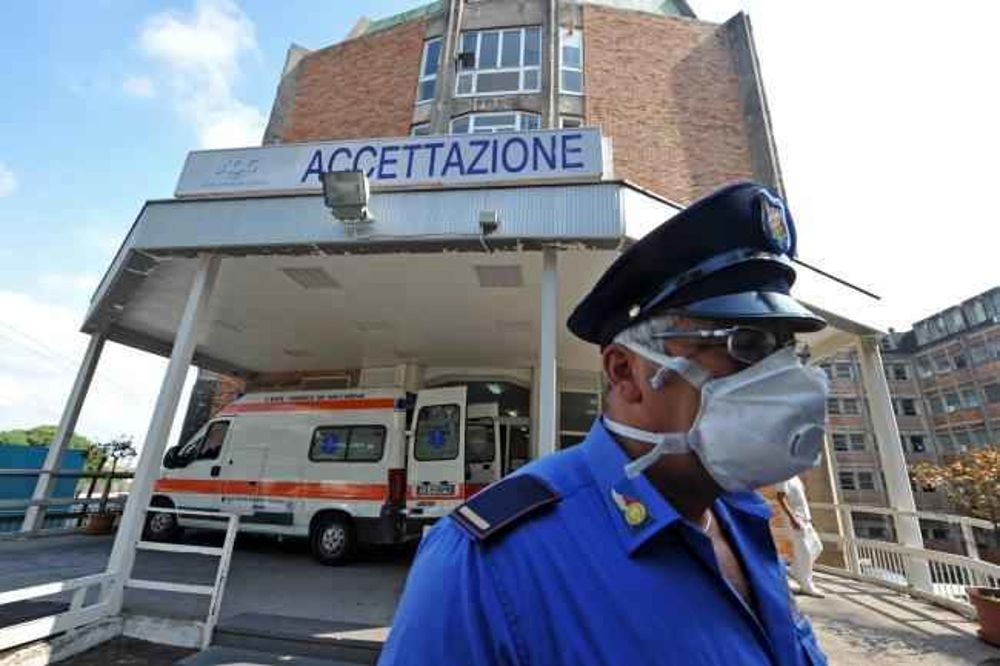 Photo of Coronavirus, detenuti donano 1600 euro all'ospedale Cotugno
