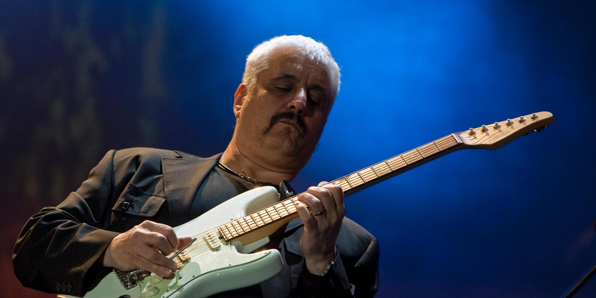 Photo of Pino Daniele, Napoli si commuove ancora: flash mob ed eventi