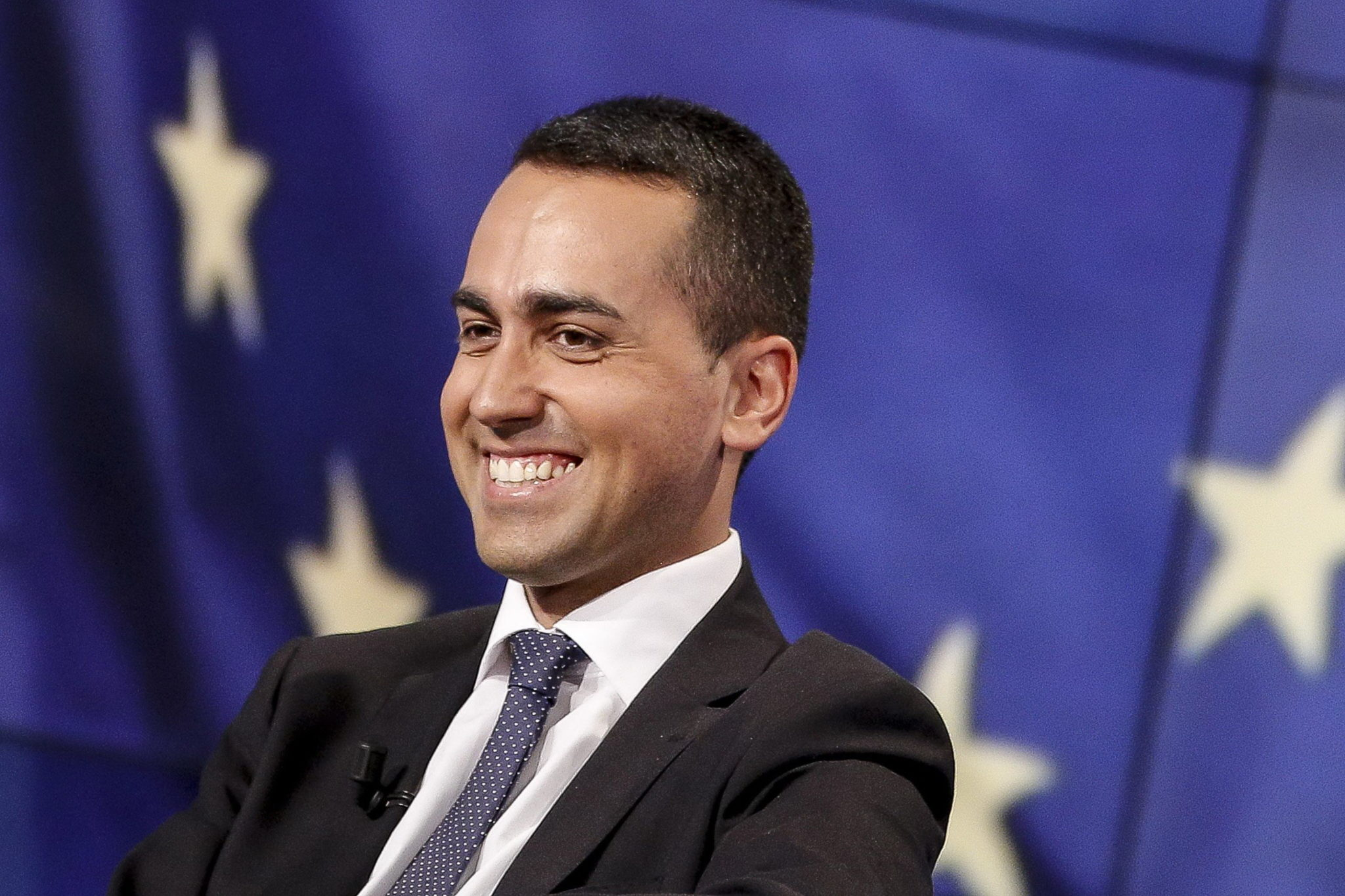 "Photo of Parla il prete di Di Maio: ""Luigi, accogli i migranti"""