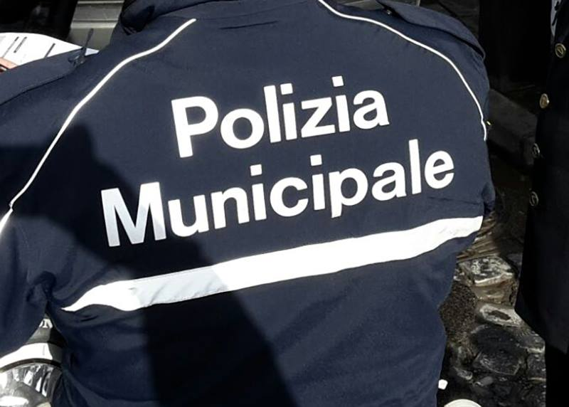 Photo of Arzano, sequestrato un market della frutta abusivo