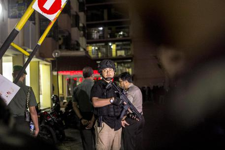 Photo of Terrorismo, nuovo attentato in Indonesia: dieci feriti