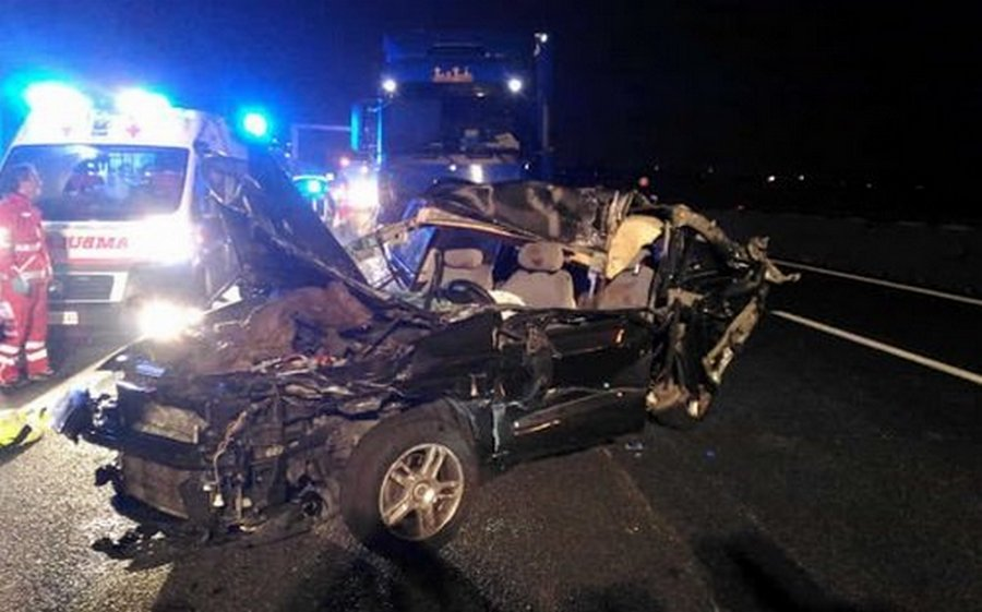 Photo of Incidenti sulla Napoli-Salerno: morto 36enne napoletano, feriti quattro operai di Autostrade